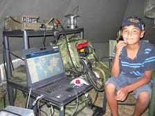 Trainee Michael DN1ZAV & Icom 7200 HF-Radio with Data-Terminal