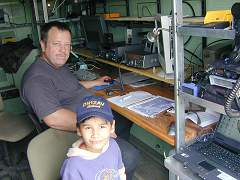 Om Uli DK9UMA and Michael DN1ZAV with SCS-PTC-Pro Portable PacTor , AX25 Data/AirMail , Voice EmComm FT-817 ManPack